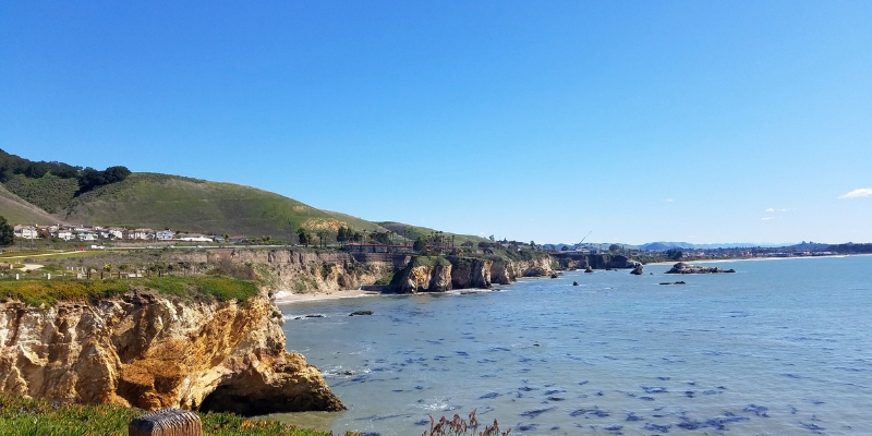 Bluffs coastline at Dinosaur Caves Park in Pismo Beach CA